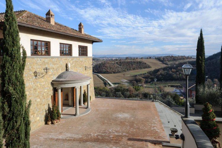 Solomeo, il borgo di Brunello Cucinelli stilista e imprenditore dell'industria del cachemire