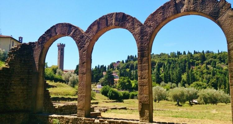 Costruzioni etrusco-romane a Fiesole, dove terminava la via Volterrana: l'antica via del sale