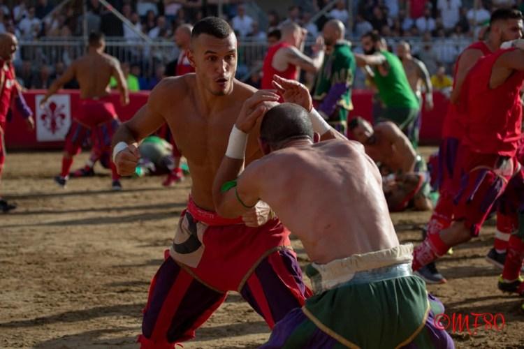 La squadra dei Rossi del Calcio in Costume fiorentino ha sede nel quartiere storico di Santa Maria Novella.
