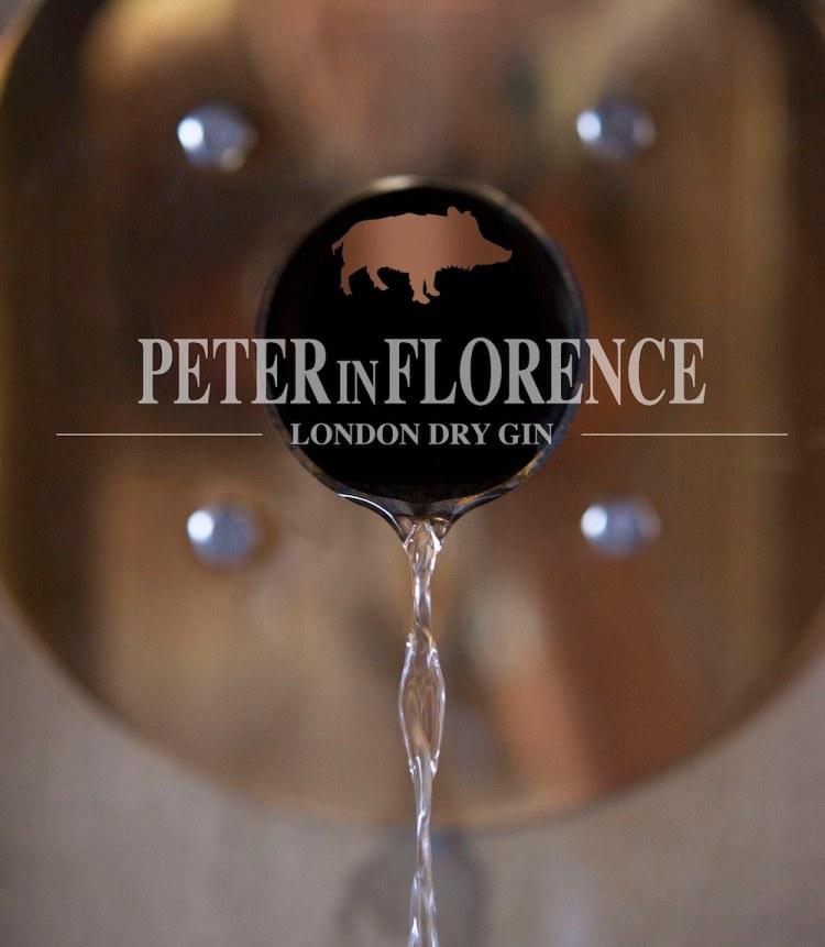 Peter in Florence il primo gin toscano ed è distillato da Stefano Cicalese nel Podere Castellare a Pelago (Firenze)