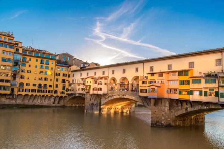 """Ponte Vecchio rappresenta perfettamente l'espressione fiorentina """"Uscio e Bottega"""""""