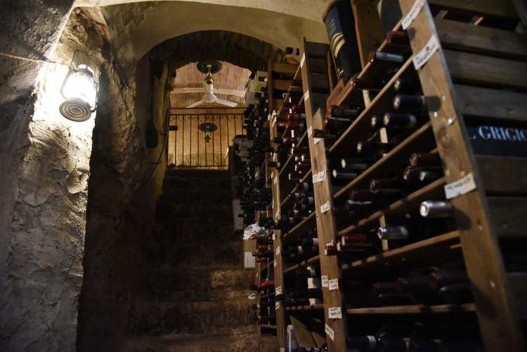 La cantina del ristorante Perucà a San Gimignano