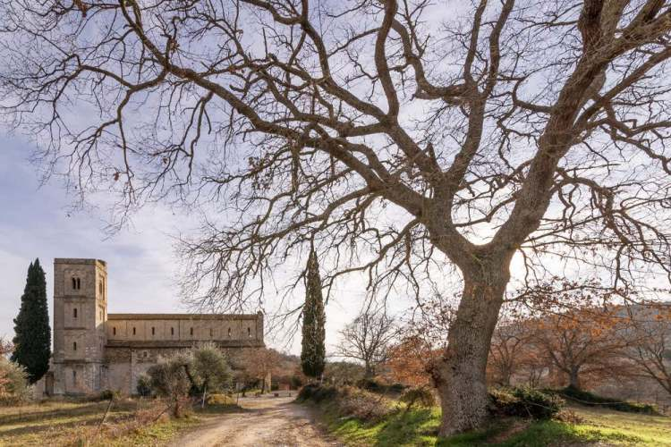 San'Antimo è una bellissima abbazia toscana in Val d'Orcia, in provincia di Siena