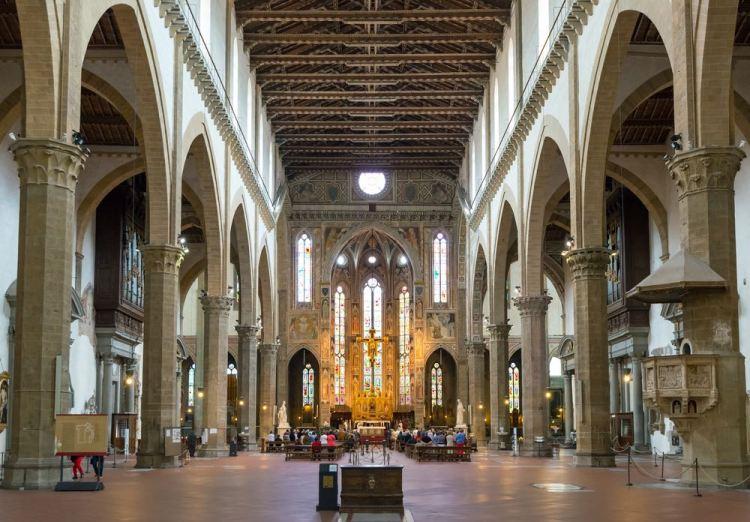 Nella Basilica di Santa Croce si trovano i sepolcri di illustri personaggi della storia di Italia