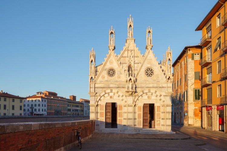 Santa Maria della Spina è una bellissima chiesa sui Lungarni di Pisa.