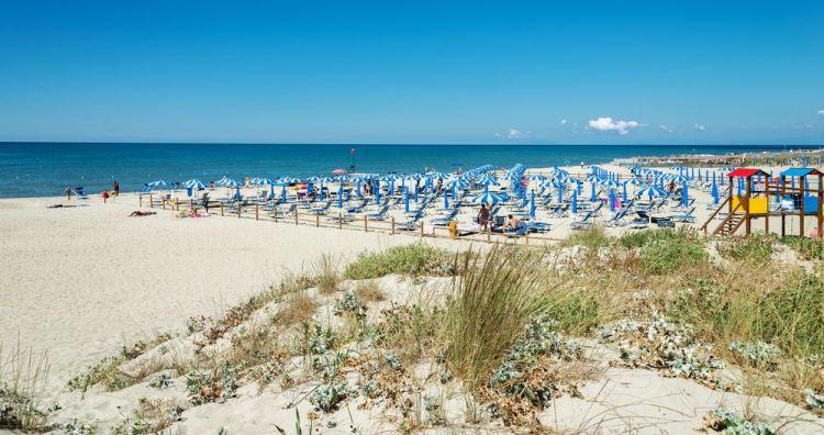 La spiaggia di Calambrone in provincia di Livorno