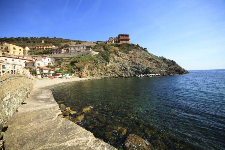 La Gorgona è una delle 7 isole dell'Arcipelago toscano