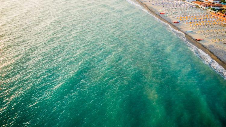 Marina dei Ronchi è una località della Riviera apuana in Toscana