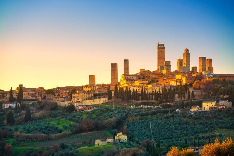 toscana in 7 giorni - Veduta di San Gimignano e le sue torri al tramonto