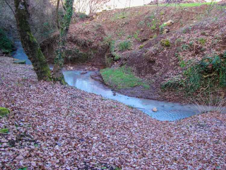 Le terme di Sorano nel bosco vicino al borgo