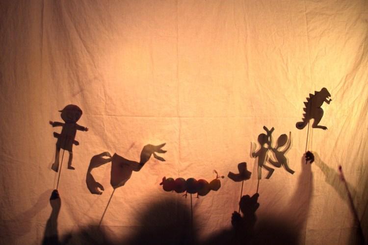 Personaggi di una storia fatta con ombre