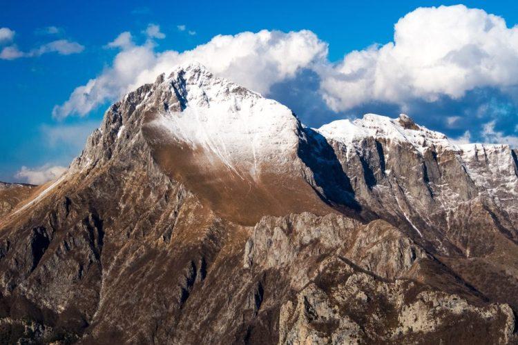 Il naso dell' Omo Morto, montagna antropomorfa della Garfagnana