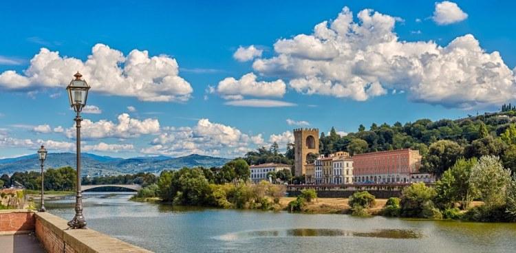 Il quartiere di San Niccolò visto dall'altra parte dell'Arno