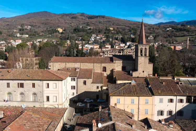 Classico campanile a punta a Sansepolcro, famoso per i dipinti di Piero della Francesca