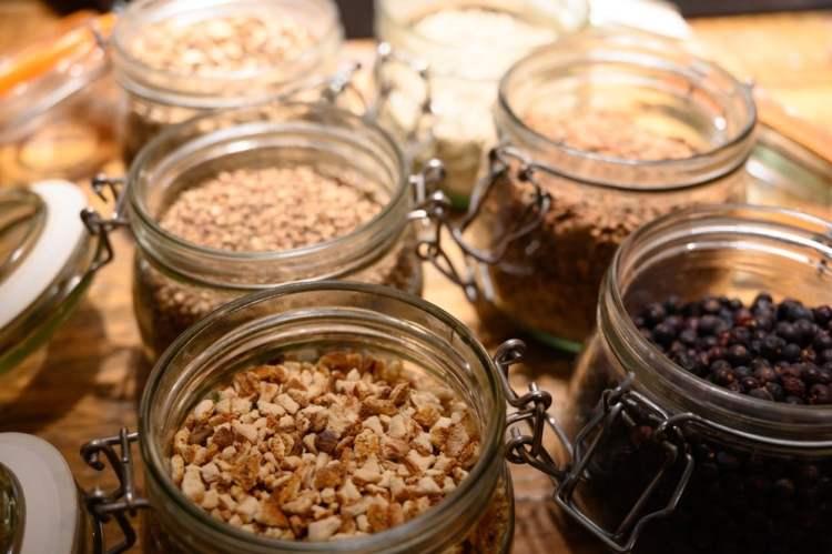 I botanicals utilizzati per produrre un ottimo gin in Toscana