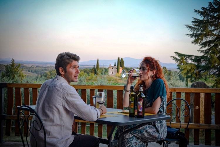 Degustazione di vino Chianti Classico a San Giorgio a Lapi, azienda a 6 km da Siena