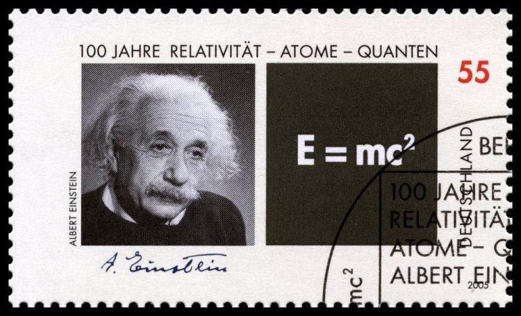 Albert Einstein e la formula E=mc2 su un francobollo tedesco