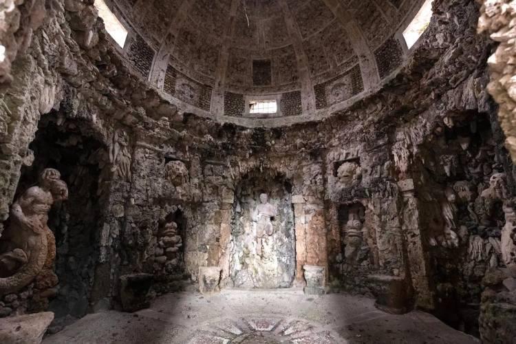 La Grotta di Pan della Villa Reale di Marlia in provincia di Lucca