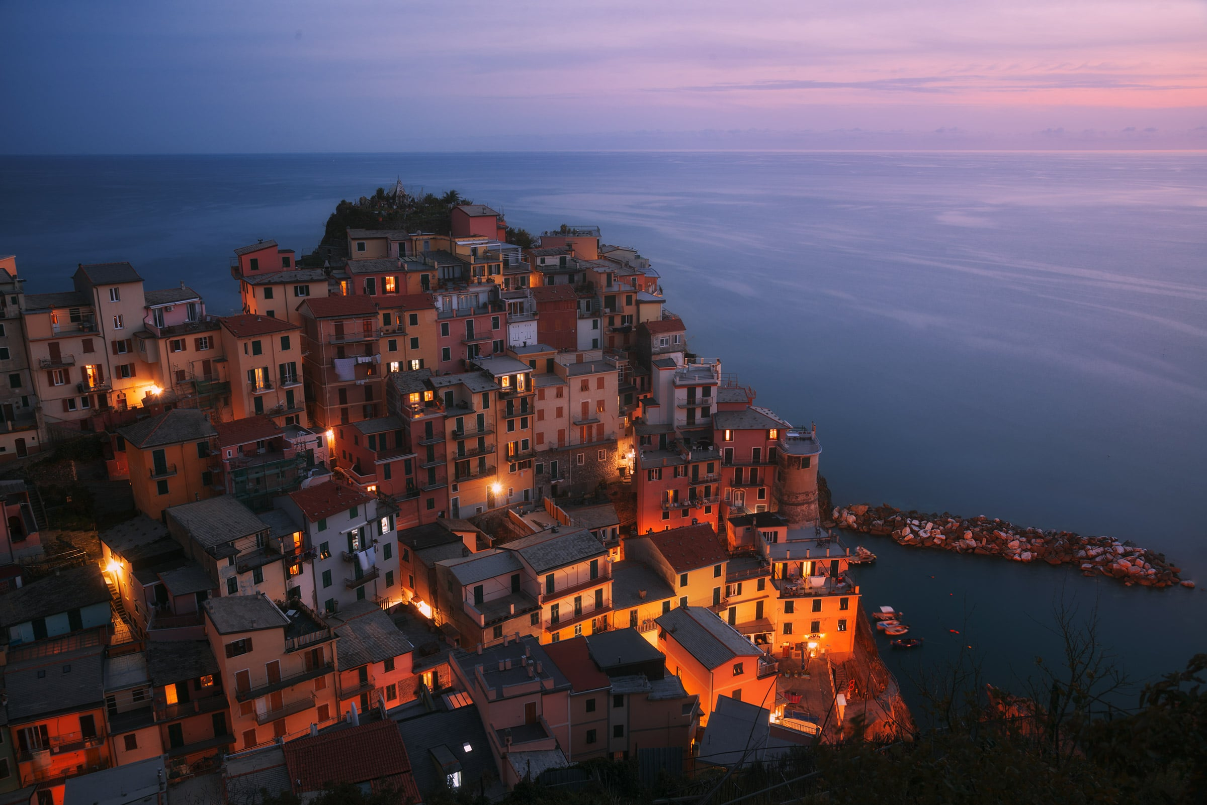 Big waves of a storm clearing at sunset in Cinque Terre photo tour