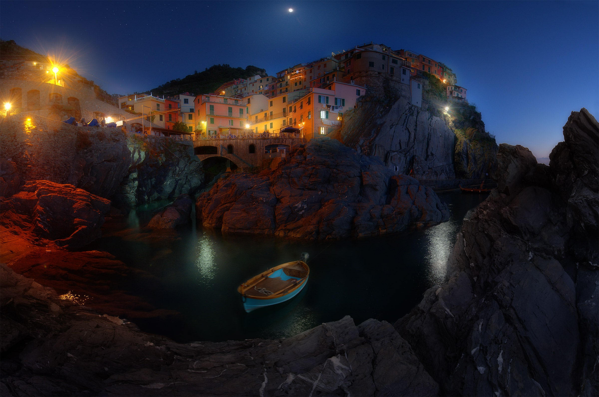 manarola landscape photo blue hour