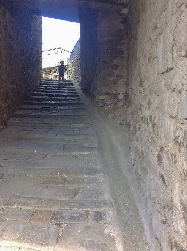 Steep steps, Lanciole, Pescia