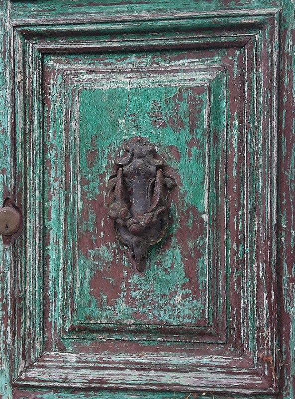 Old Door Knocker, Lanciole, Pescia