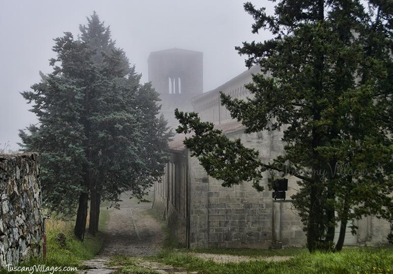 Pieve/Parish Church (La Pieve di  Sant'Ansano e San Tommaso) outside Castelvecchio Cemetery