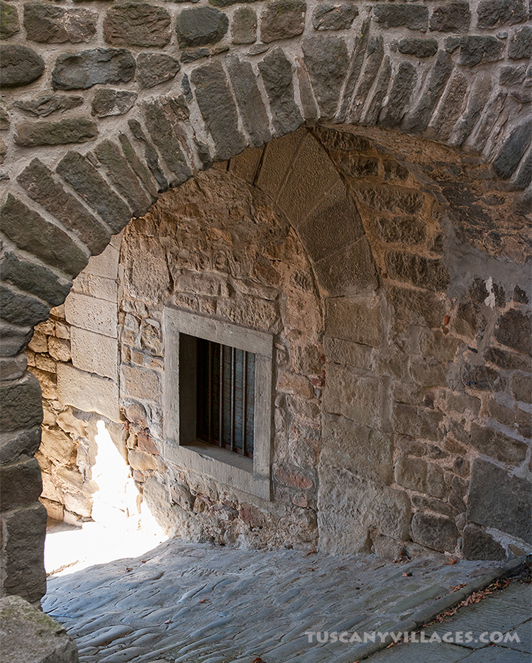 Old stone archway in Fibbialla