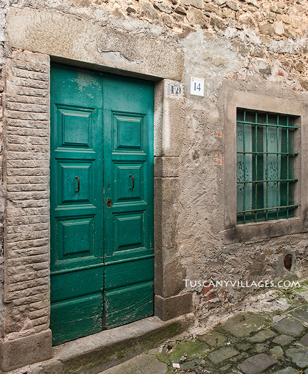 Pontito-green-door-and-window