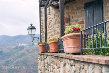 terracotta pots, Aramo, Tuscany