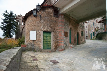 Tuscany Village-in-Autumn
