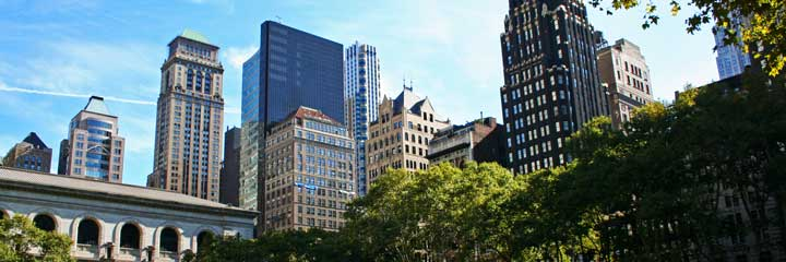 Vista de los edificios de Midtown a la altura del Bryant Park