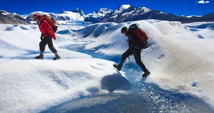 Trekking en el inmenso glaciar Neff/Foto Ronny Belmar