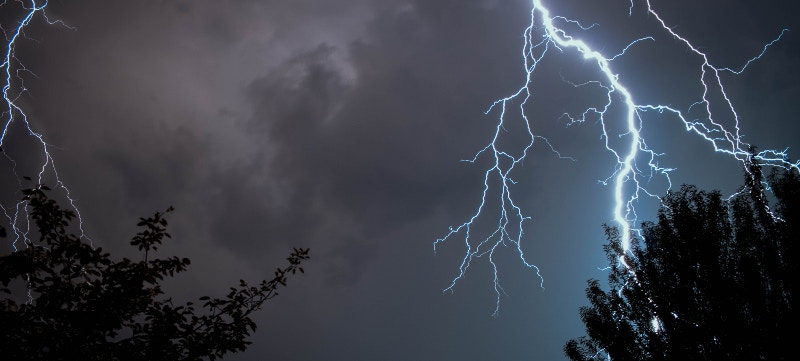 ¿Cómo responde el seguro del coche ante las tormentas?