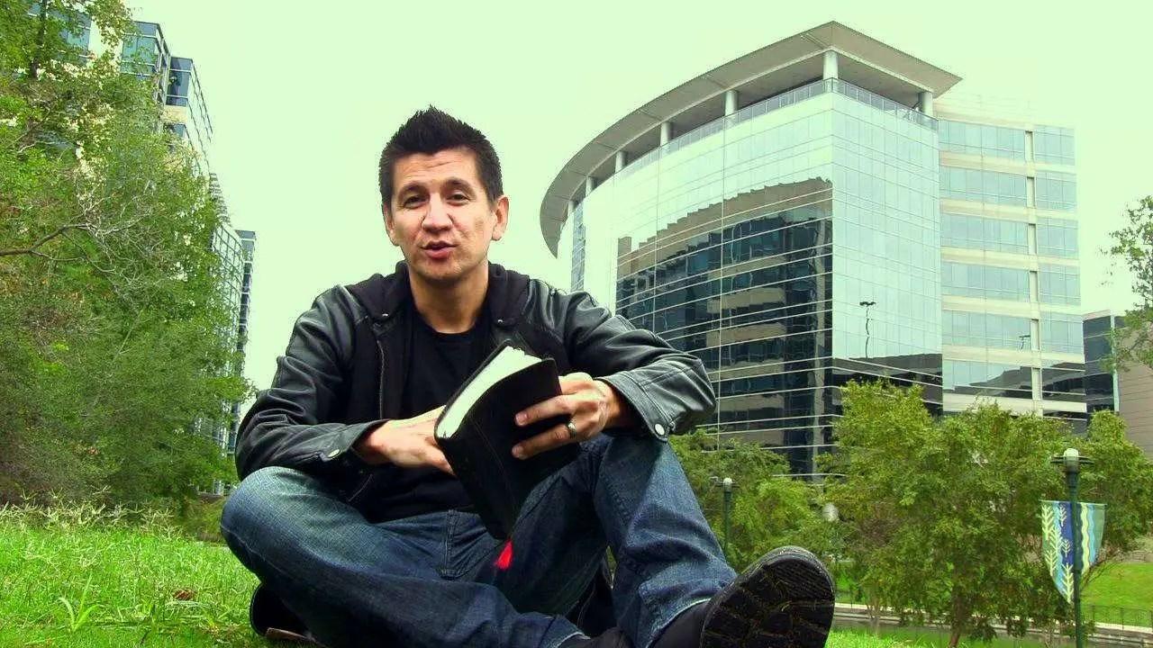 Emmanuel Espinoza – 3 Cada Dia – Sociedad Biblica – #biblia #video #cristiano