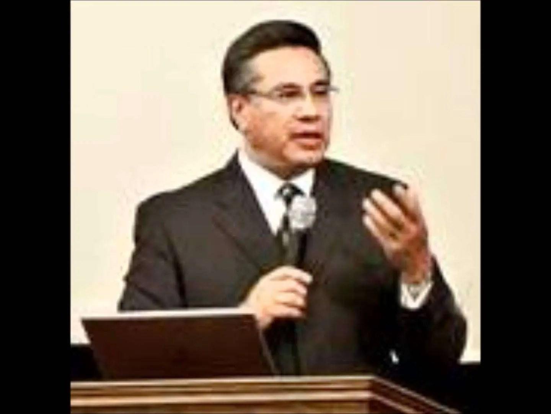 Lee más sobre el artículo Los mercaderes del templo – Chuy Olivares