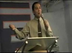 Lee más sobre el artículo Si Dios es por nosostros, quien contra nosotros – Luis Bravo