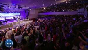 Lee más sobre el artículo Claves para vivir en comunión con Dios – Claudio Freidzon
