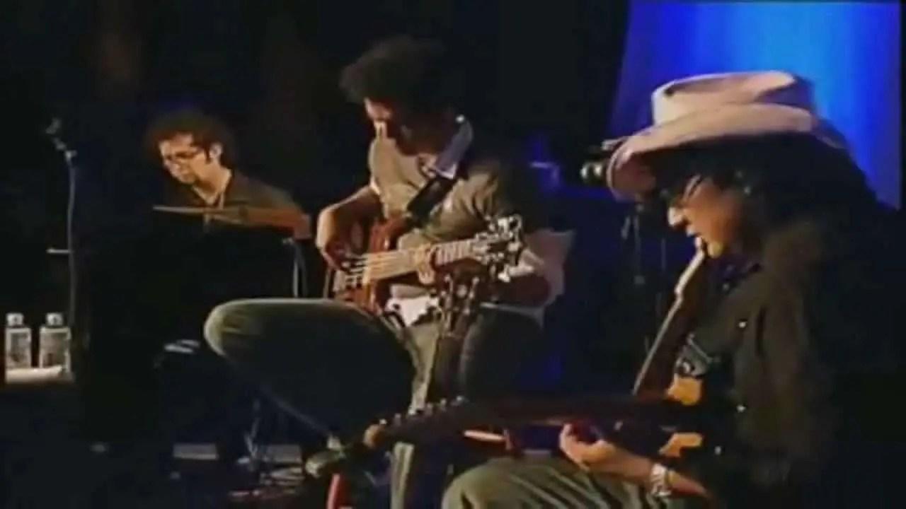 En este momento estás viendo Video: Enamorame – Abel Zavala y Jesus Adrian Romero