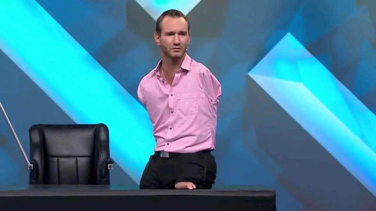 En este momento estás viendo Permanezcan Firmes… Luego Corran – Testimonio Pastor Nick Vujicic