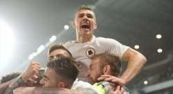 dzeko-esulta-gol-3-sassuolo-roma-1-3