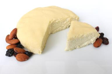 Risultati immagini per formaggio mandorla
