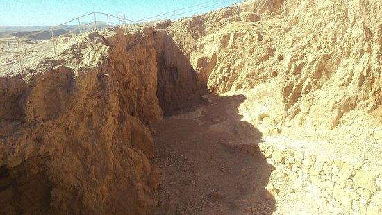 """Verso Masada , lungo """"l'impervio sentiero del serpente"""""""