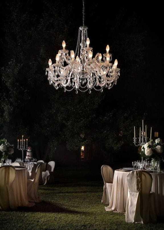 Lampadario di murano per esterno luci per eventi cerimonie e feste eleganti in stile