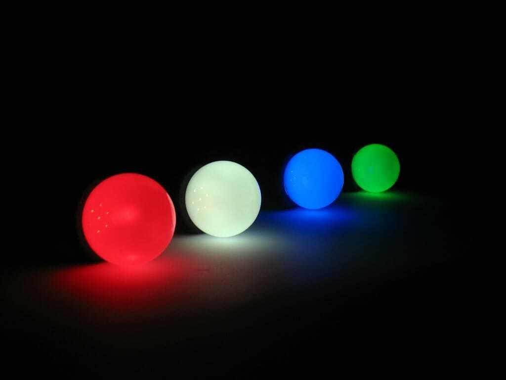 Luci led lampadine colorate, anche per catenaria di lampadine in esterno.