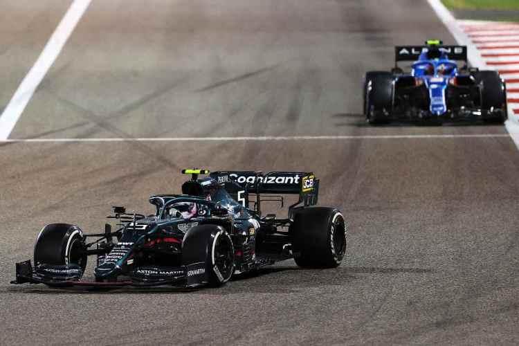 Vettel si becca la seconda penalità in un giorno: un esordio da incubo!