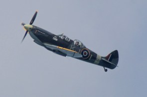 Spitfire in flight KJ-I SM520 turning
