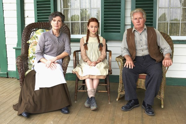 (From L to R) Sara Botsford, Ella Ballentine and Martin Sheen in Lucy Maud Montgomery's Anne of Green Gables (CNW Group/YTV Canada Inc.)