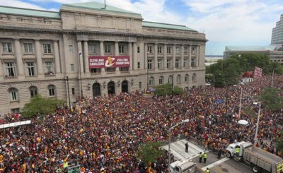Cavs Parade in front of City Hall