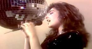 Laura Branigan - Gloria - Official Music Video.